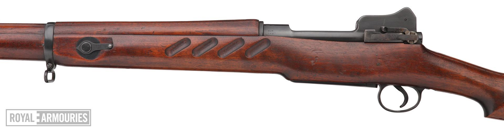 Pattern 1913 (P13), centrefire bolt action rifle, Enfield, Britain, 1914 produced by the Royal Small Arms Factory (RSAF.) Improved model with finger grooves and rear of body reprofiled in the style of the later Pattern 1914 and 1917 rifles.