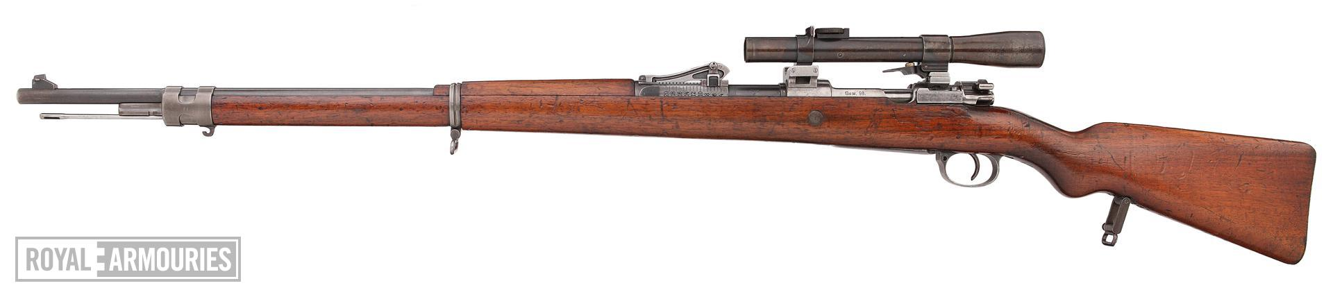 Mauser Gewehr 98 rifle and bayonet - Arms of the First World War