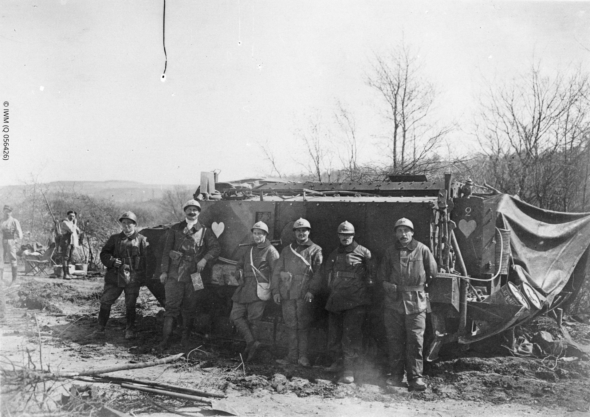 Photograph of Schneidertank and crew, Maizy, Aisne, France.