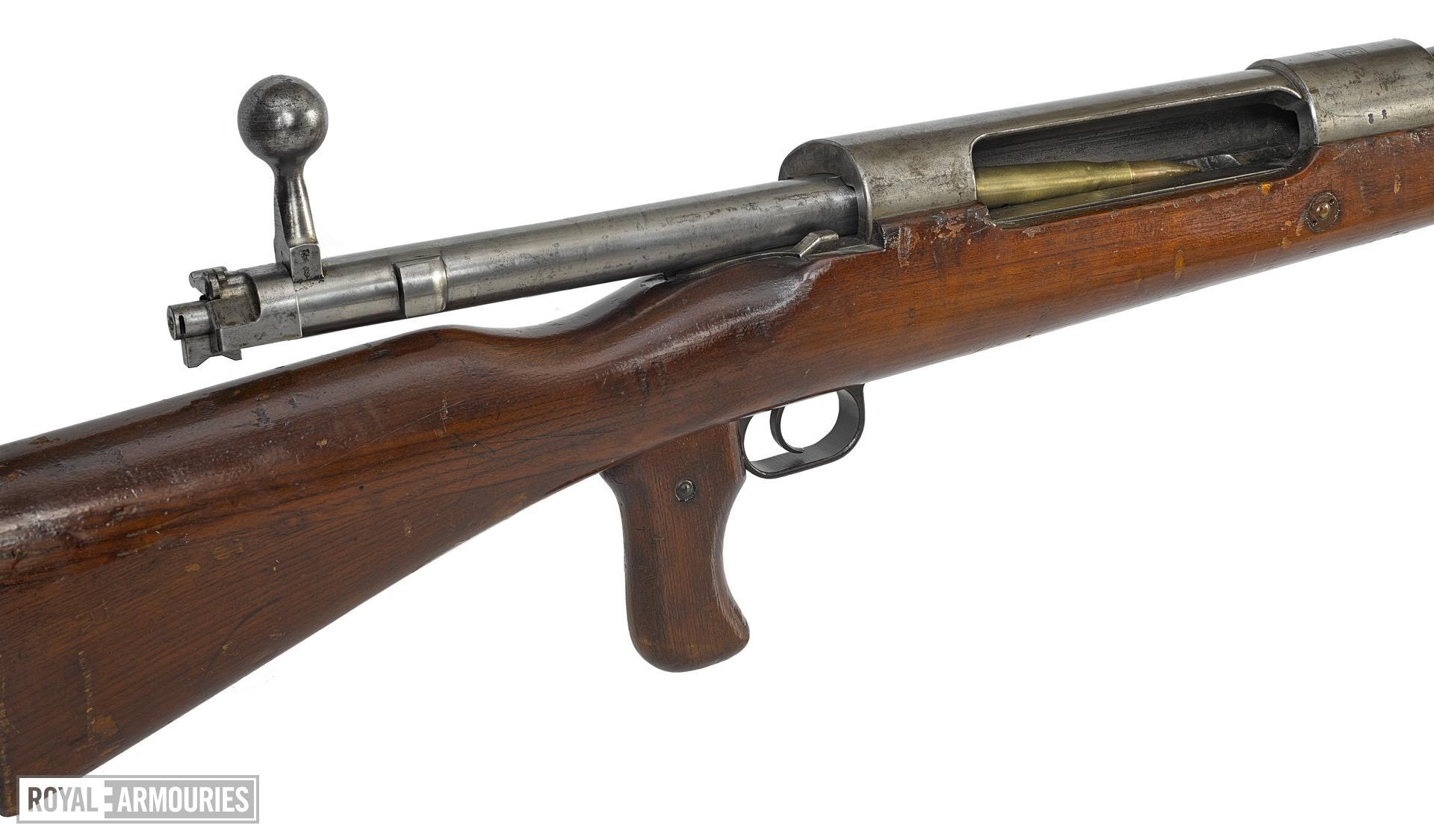 Mauser Model 1918 T (Tank) Gewehr  centrefire bolt action anti-tank rifle, German, about 1918. For anti-tank use.
