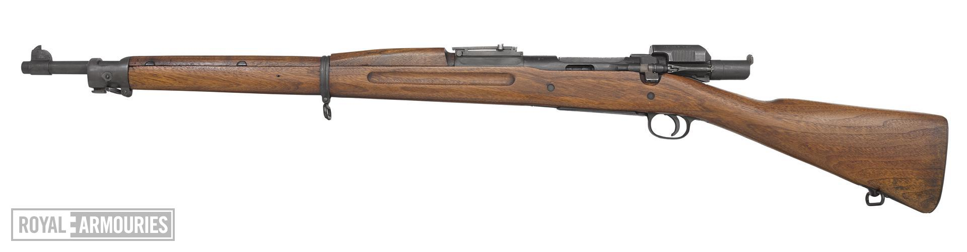 Springfield Model 1903 Mk.I centrefire bolt action rifle, United States, about 1903 (PR.7083), equipped with Pedersen Model 1918 Mk.I automatic device, United States, 1918 (PR.2495).