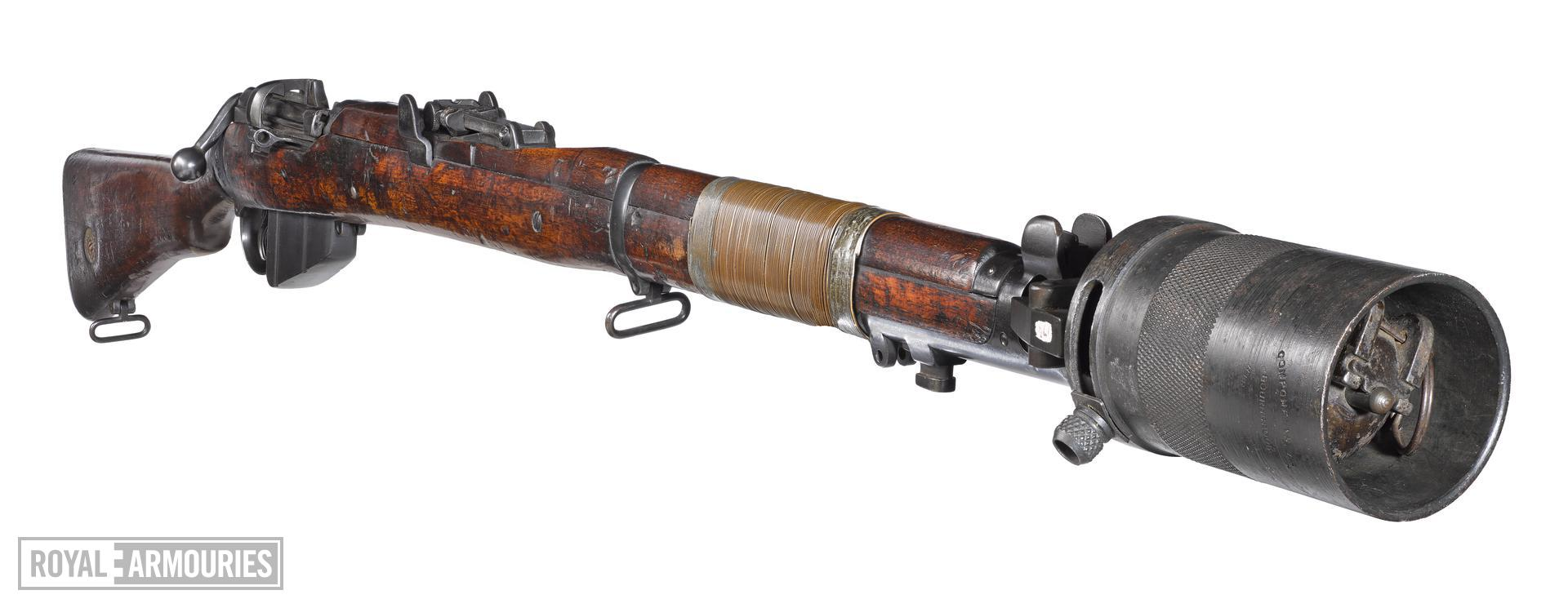 Short Magazine Lee Enfield (SMLE) Mk.III* EY centrefire bolt action rifle, British, about 1918 (PR.5750), with grenade discharger (PR.10097).