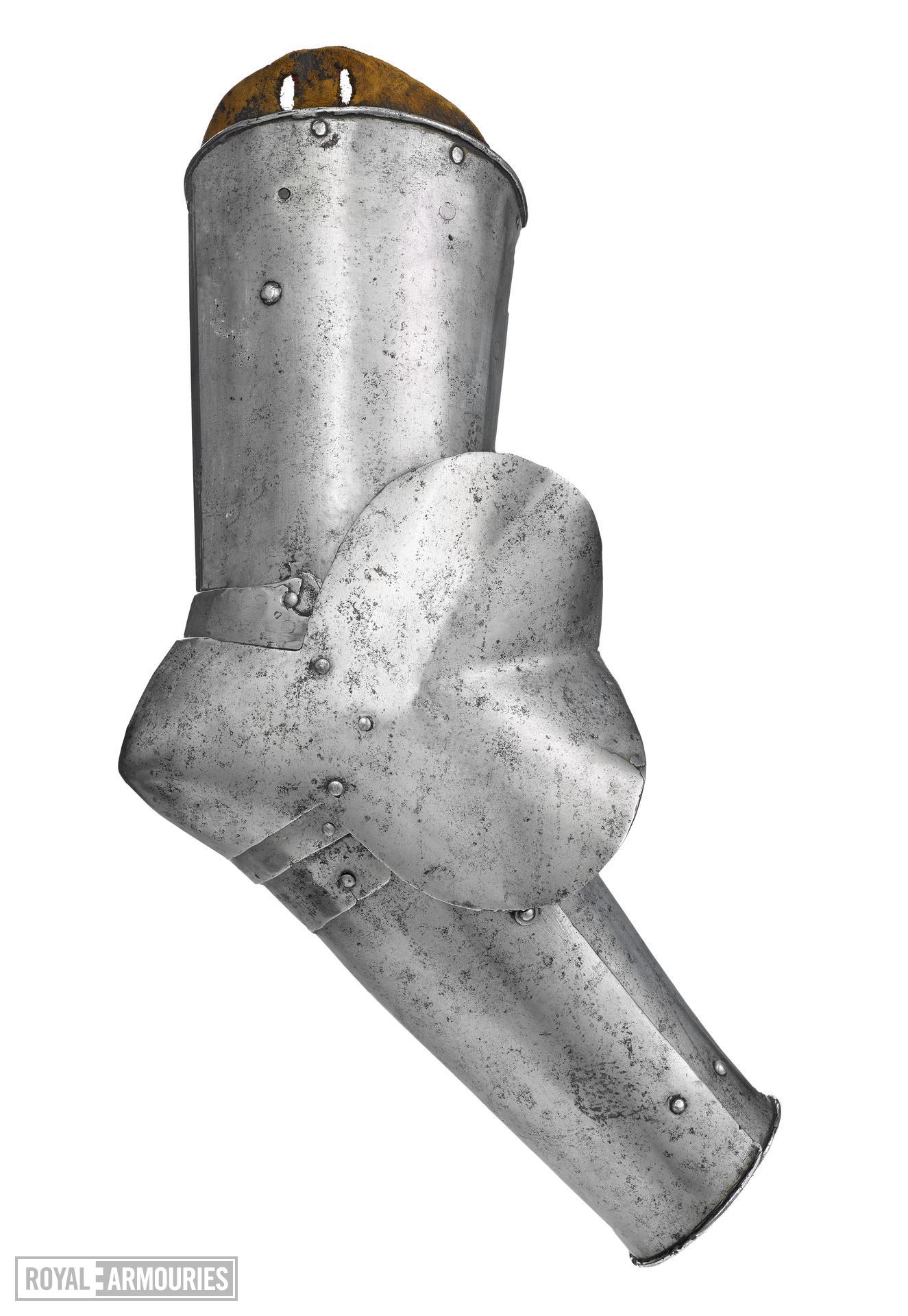 Right Vambrace (1430-1440), Italy.
