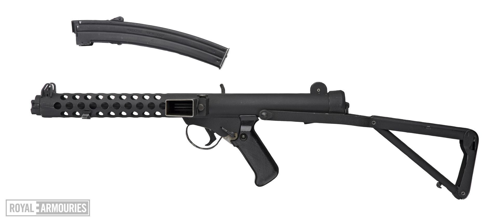 Centrefire automatic submachine gun - Sterling Mk.IV (L2A3) First production gun