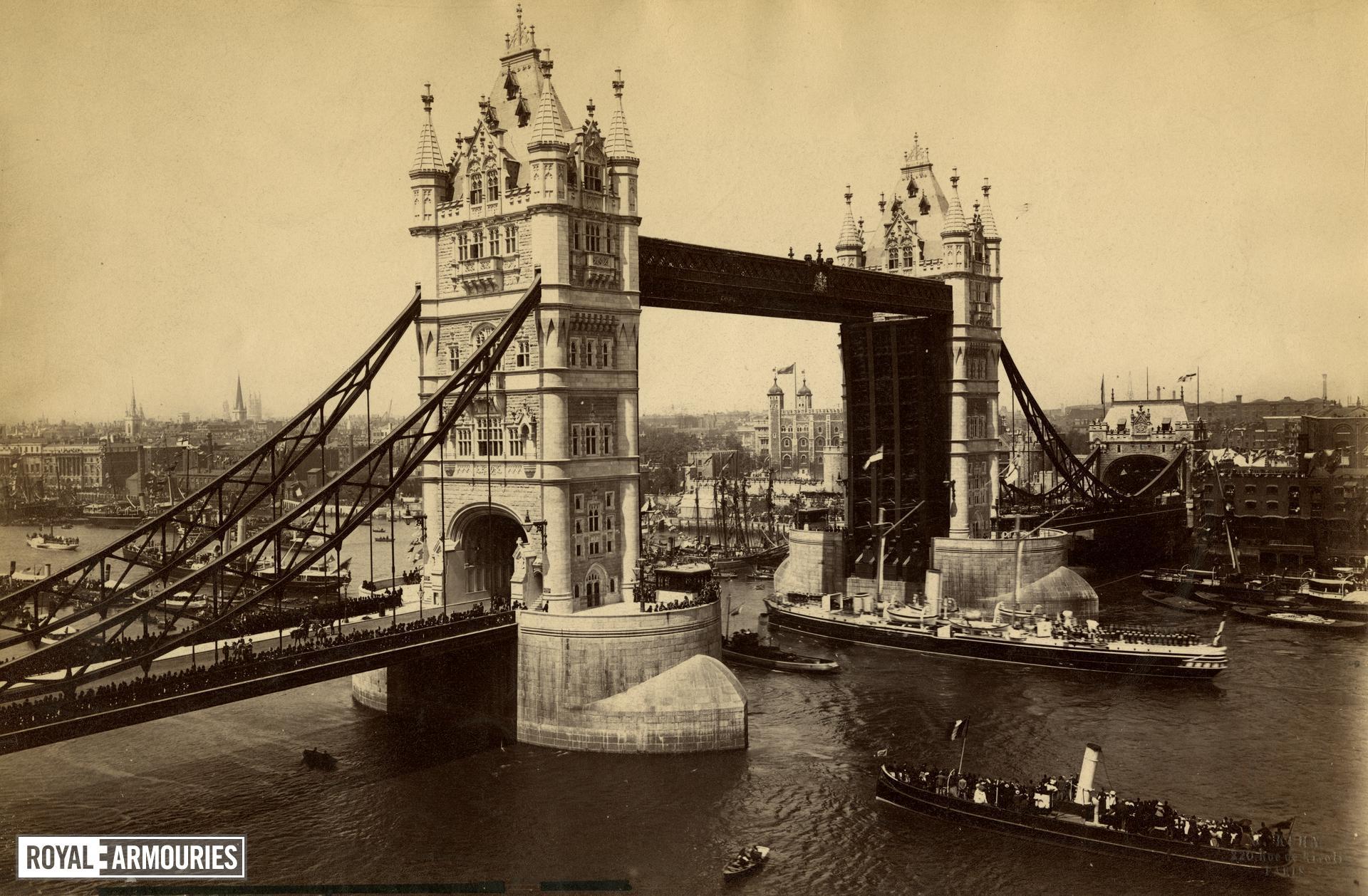 Tower Bridge - Photographs
