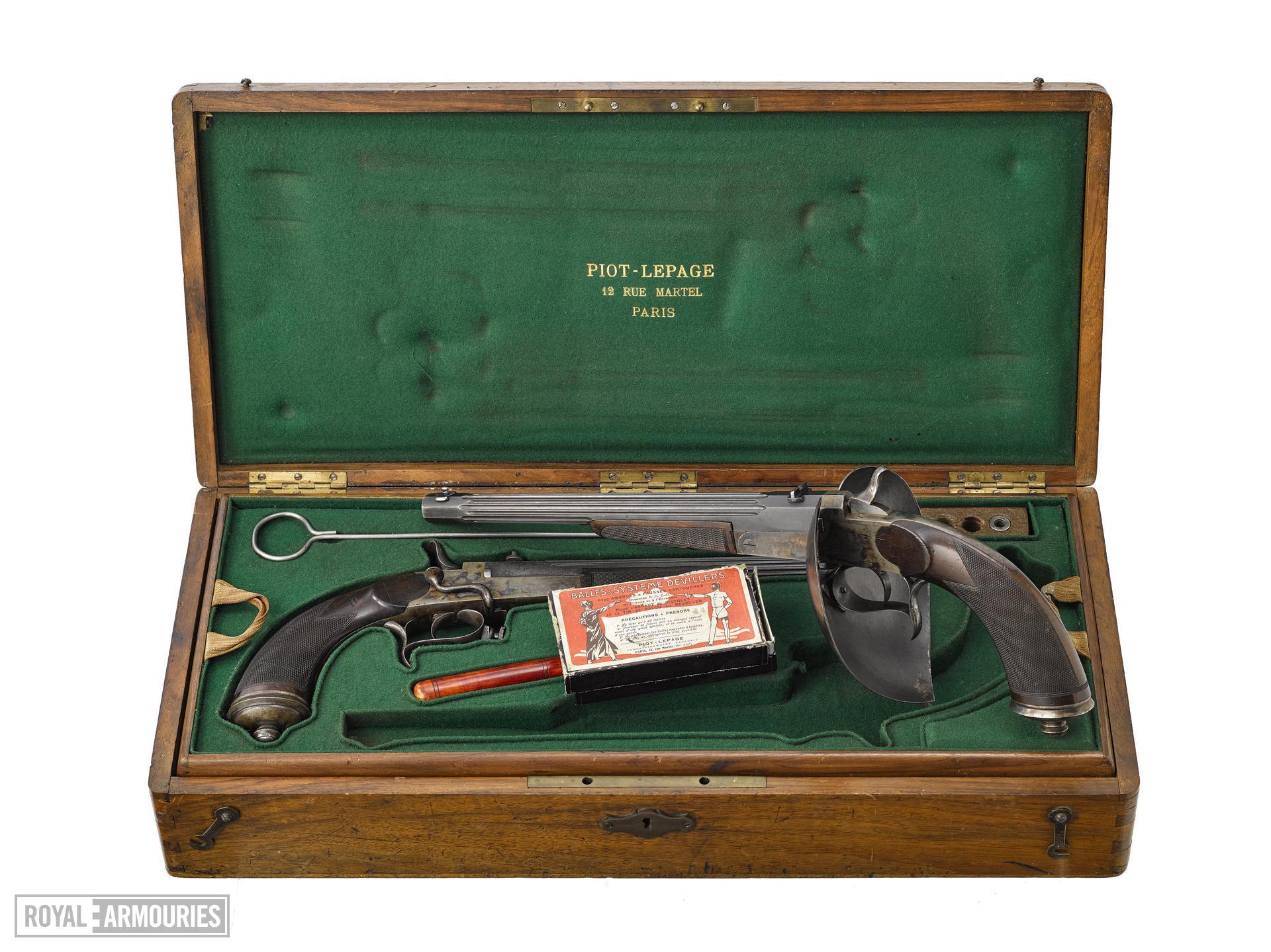 Centrefire breech-loading duelling pistol - Devillers Patent