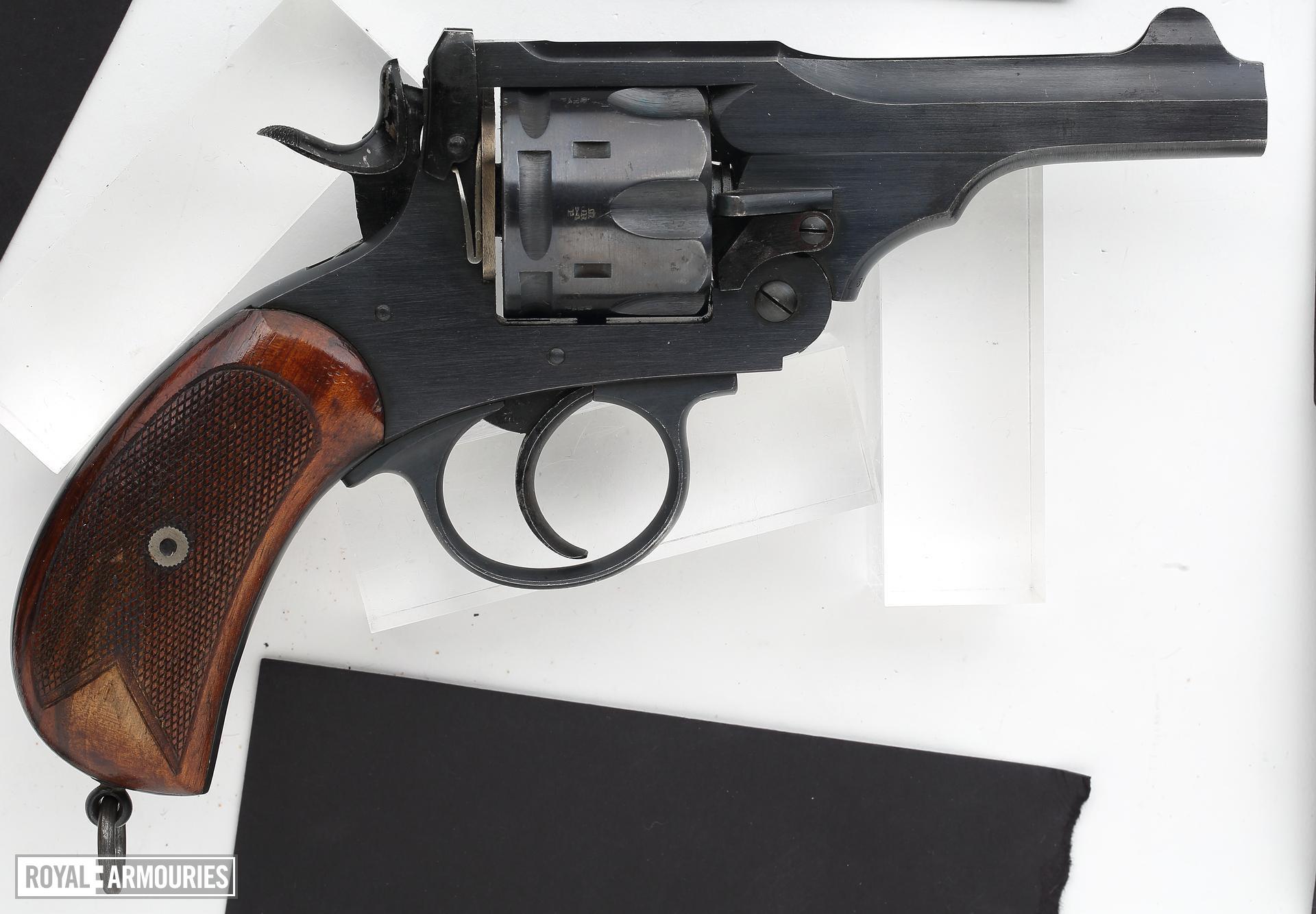 Centrefire six-shot revolver - Webley Mk.V
