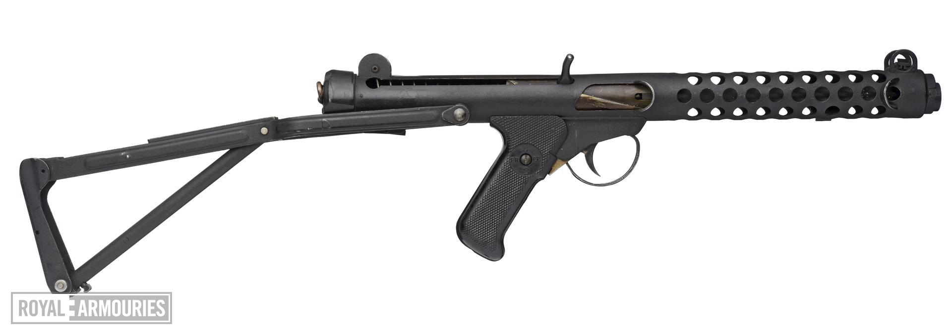 Centrefire automatic submachine gun - Sterling L2A1