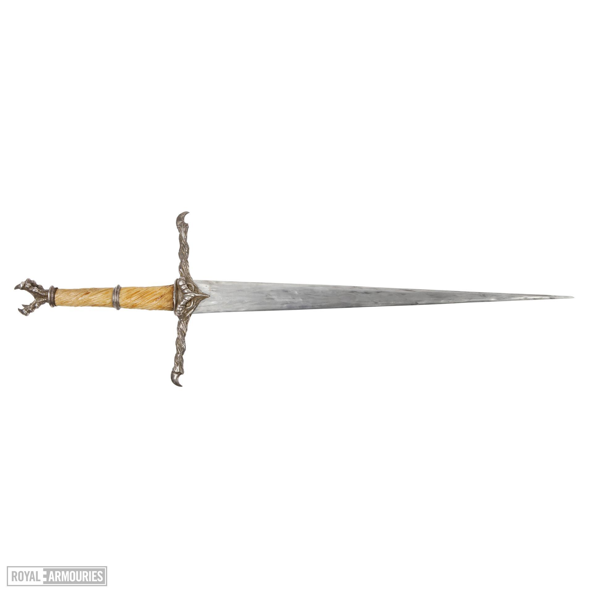 Durza's (Robert Carlyle) hero sword from film Eragon (2006). English, 2006 (IX.5643)