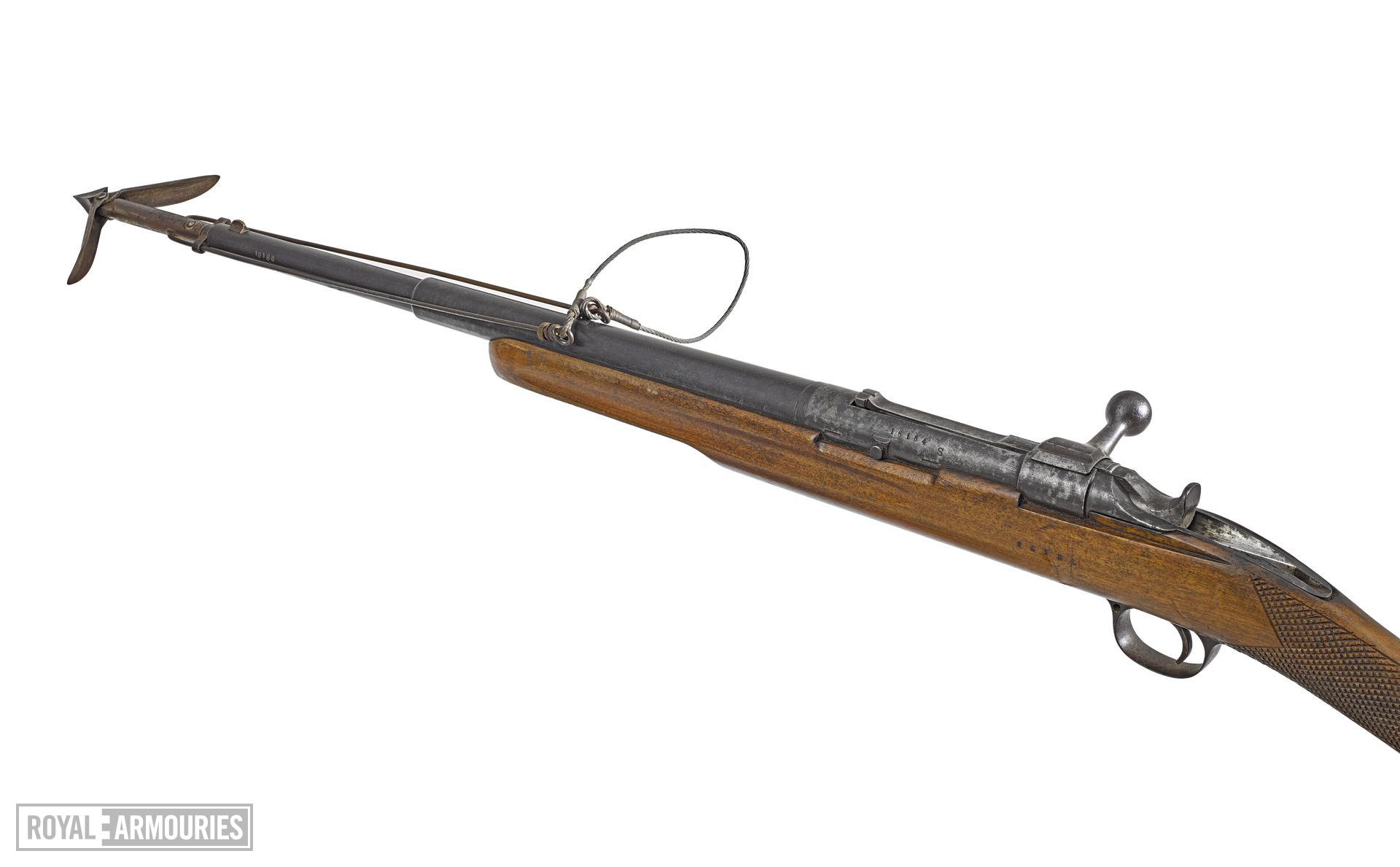 Centrefire bolt-action harpoon gun By Jarmann about 1910 Norway