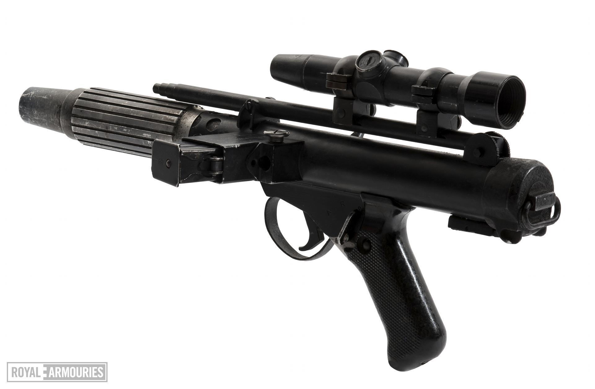 Submachine gun - Star Wars DH-17 rebel trooper blaster