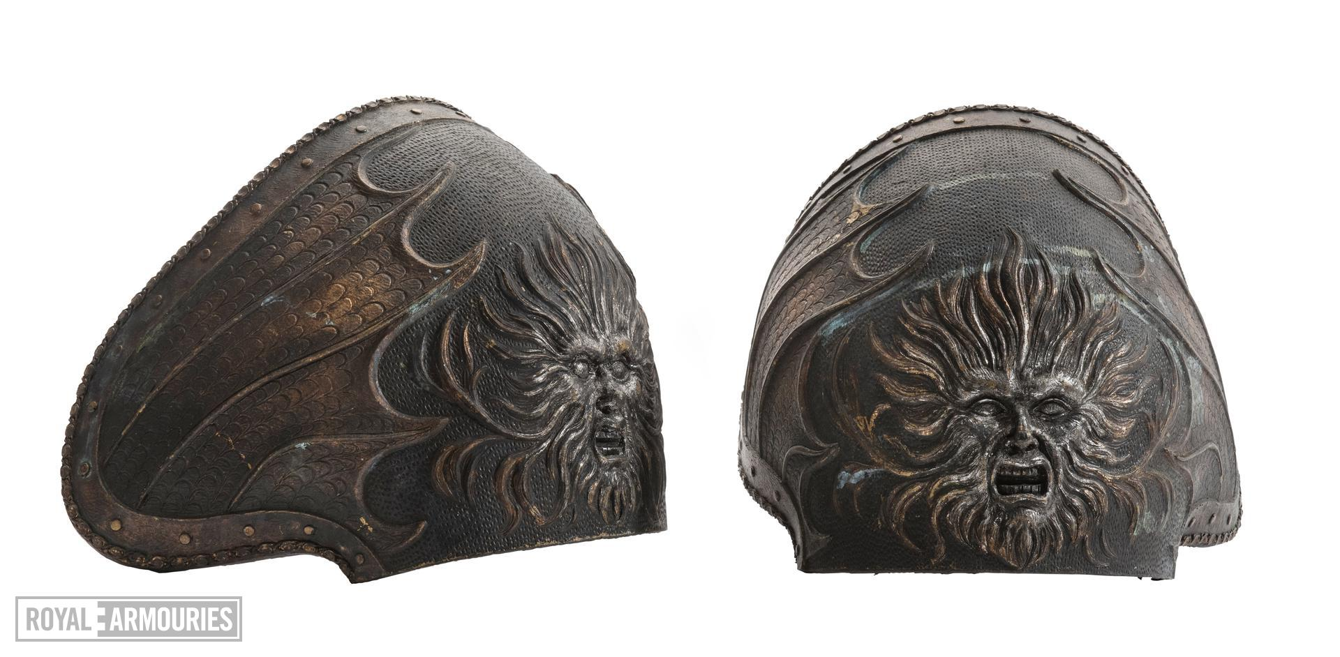 Hero armour of Necromonger Lord Marshal played by Colm Feore from the 2004 cult movie 'The Chronicles of Riddick' starring Vin Diesel. Ornately decorated and highly detailed. Bronze and black in appearance but made from hard rubber urethane and aluminium. 2003 (II.409)
