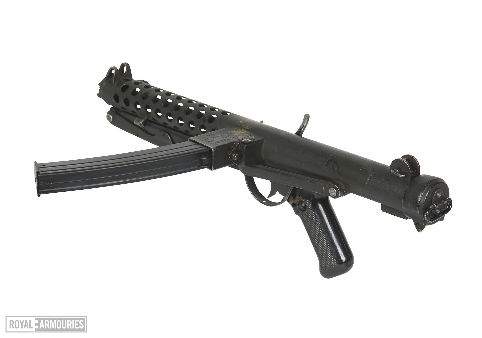 Sterling L2A2, Military version of the Sterling Mk.III