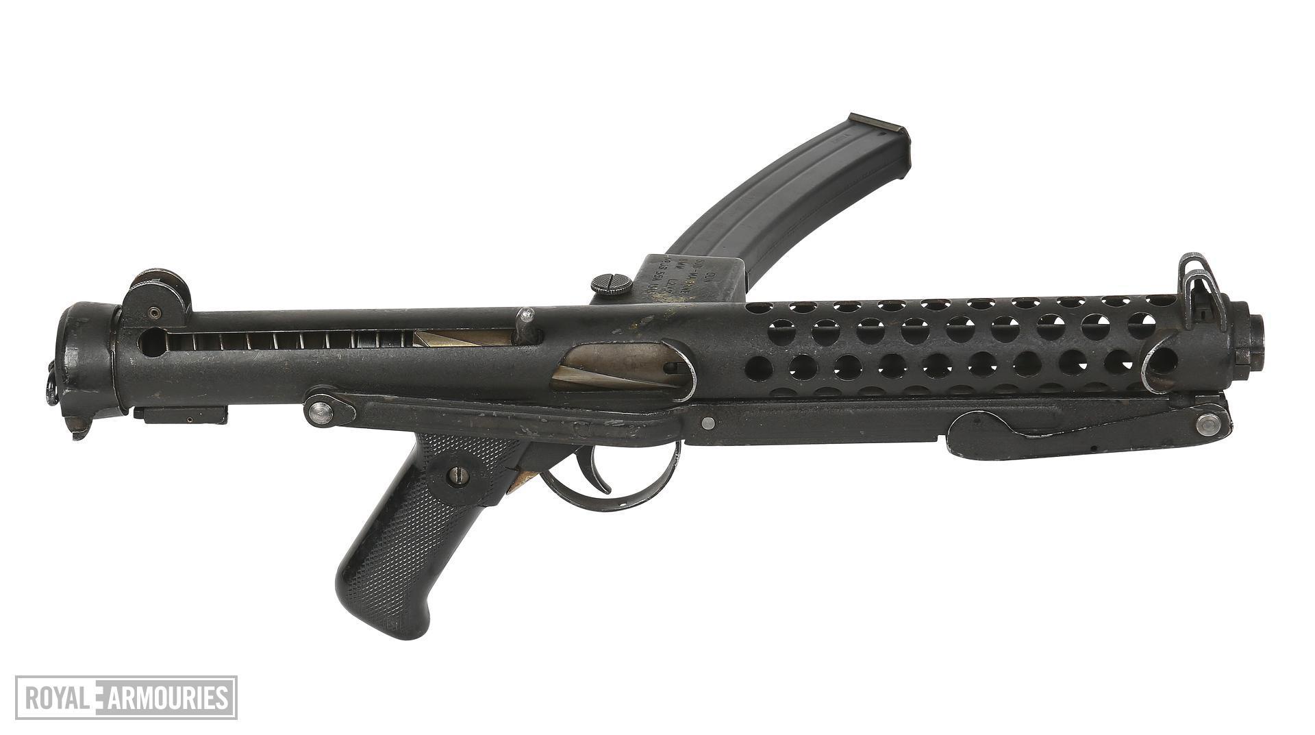 Centrefire automatic submachine gun - Sterling L2A2
