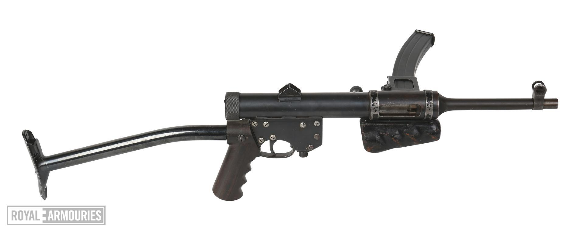 Centrefire automatic submachine gun - Lanchester light model 2 Experimental