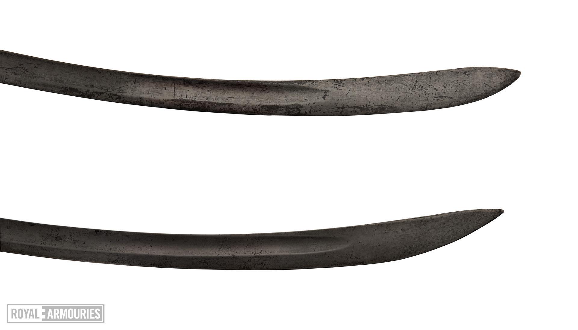 Light Cavalry sword, Pattern 1796, Britain, 1796-1821 (top) (IX.8104) and light cavalry trooper's sword. Pattern 1796, Britain, 1796-1821 (bottom) (IX.2586)