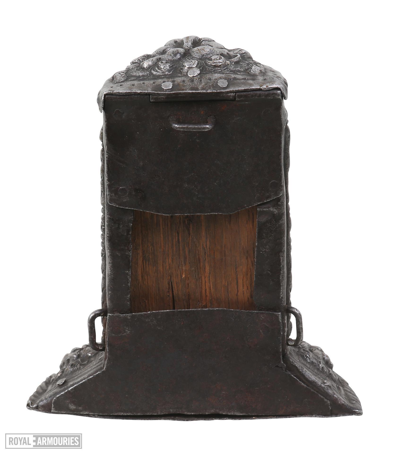 Cartridge box Brunswick type. Wooden core with embossed ferrous metal body. XIII.37