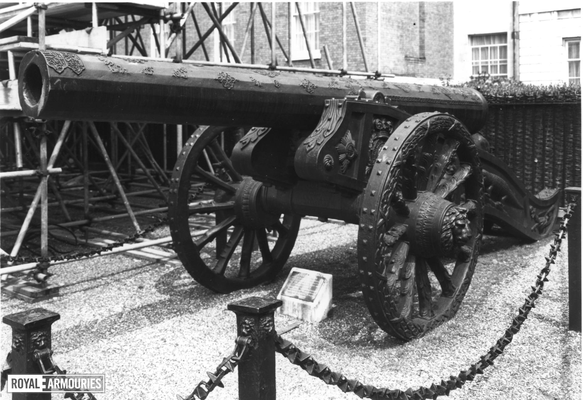 52 pr gun and carriage Made of bronze With British early 19th Century carriage