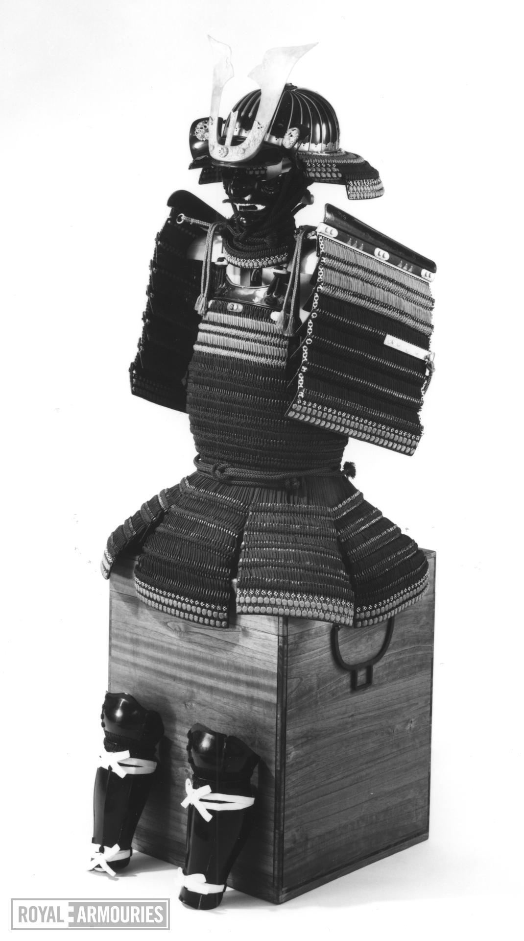 Armour (domaru) - Domaru Presented to King James I by Tokugawa Hidetada, by Iwai Yozaemon, possibly for Takeda Katsuyori originally and modified for presentation about 1610.
