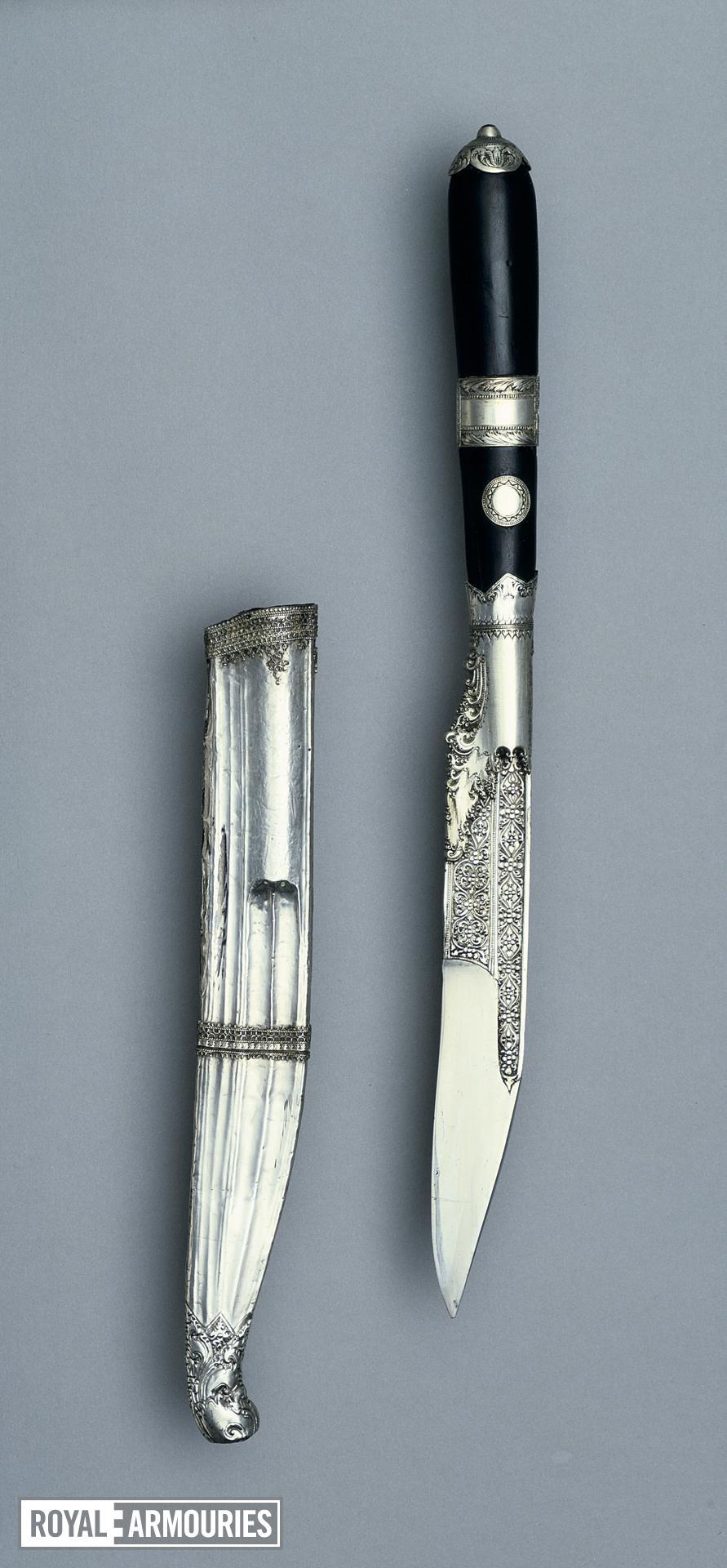 Dagger (piha kaetta) and scabbard Dagger (piha kaetta) with silver scabbard