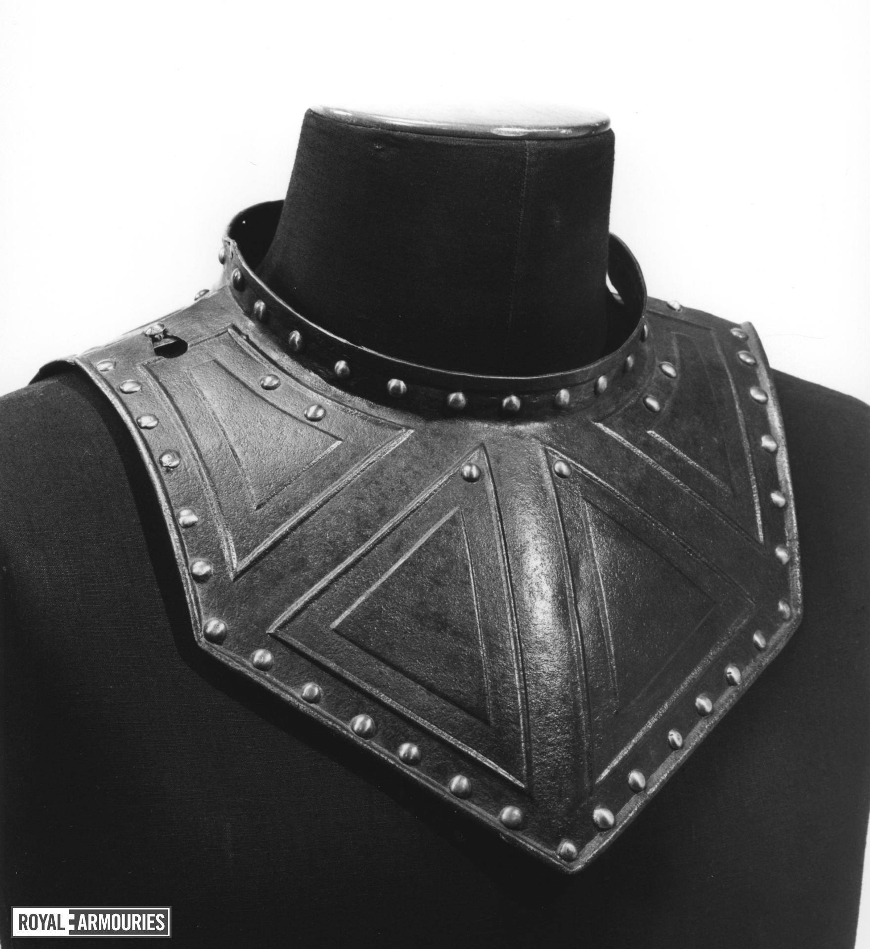 Pikeman's gorget Chevron embossed group