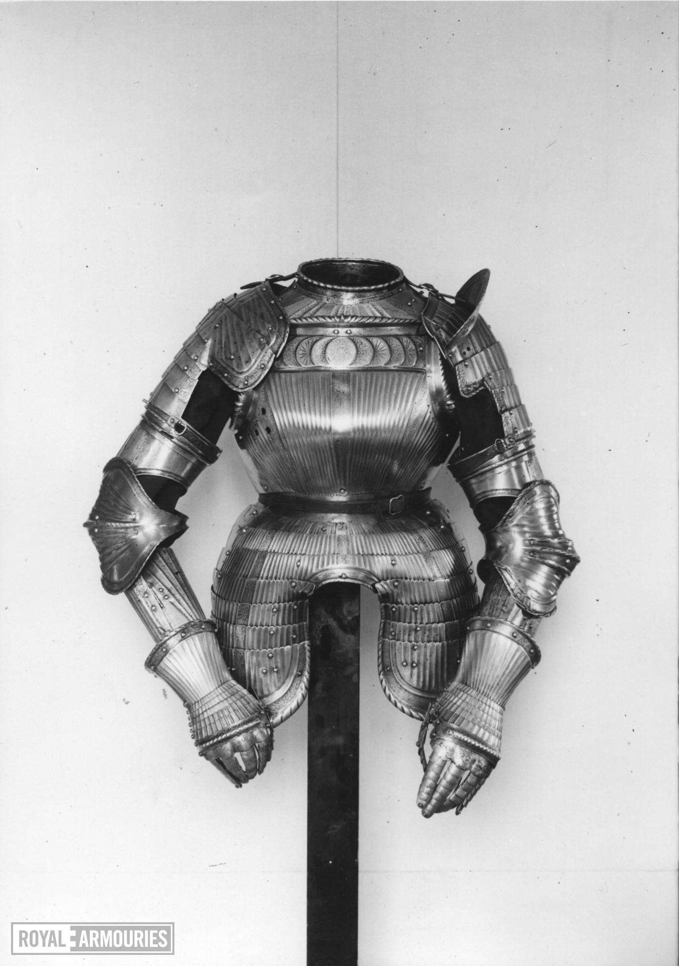 Composite armour in the Maximilian style