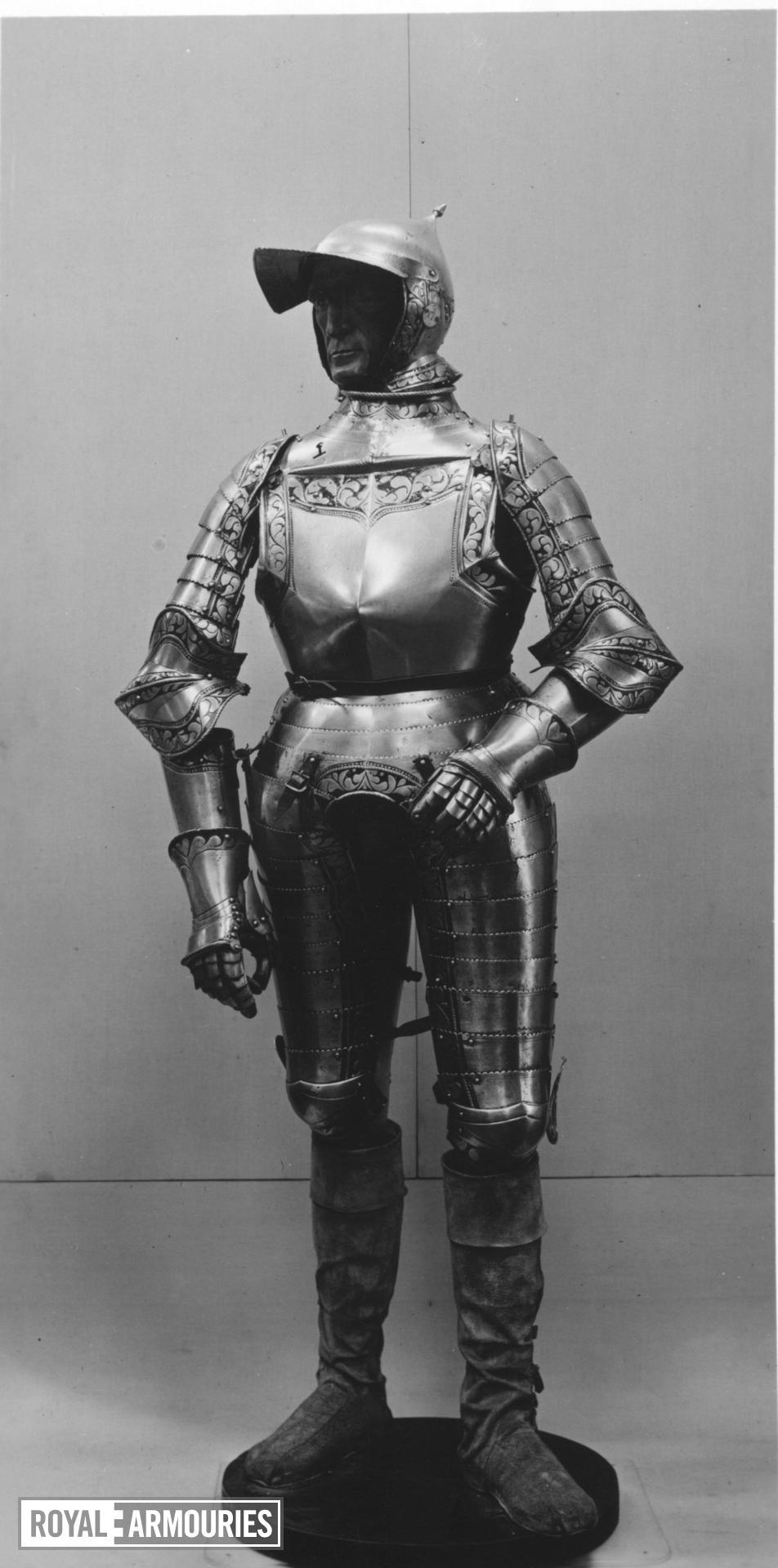 Three-quarter armour