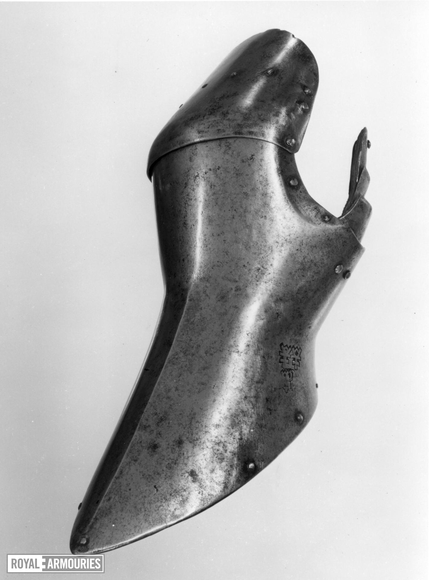 Left mitten gauntlet Attributed to Ambrosio de Osma