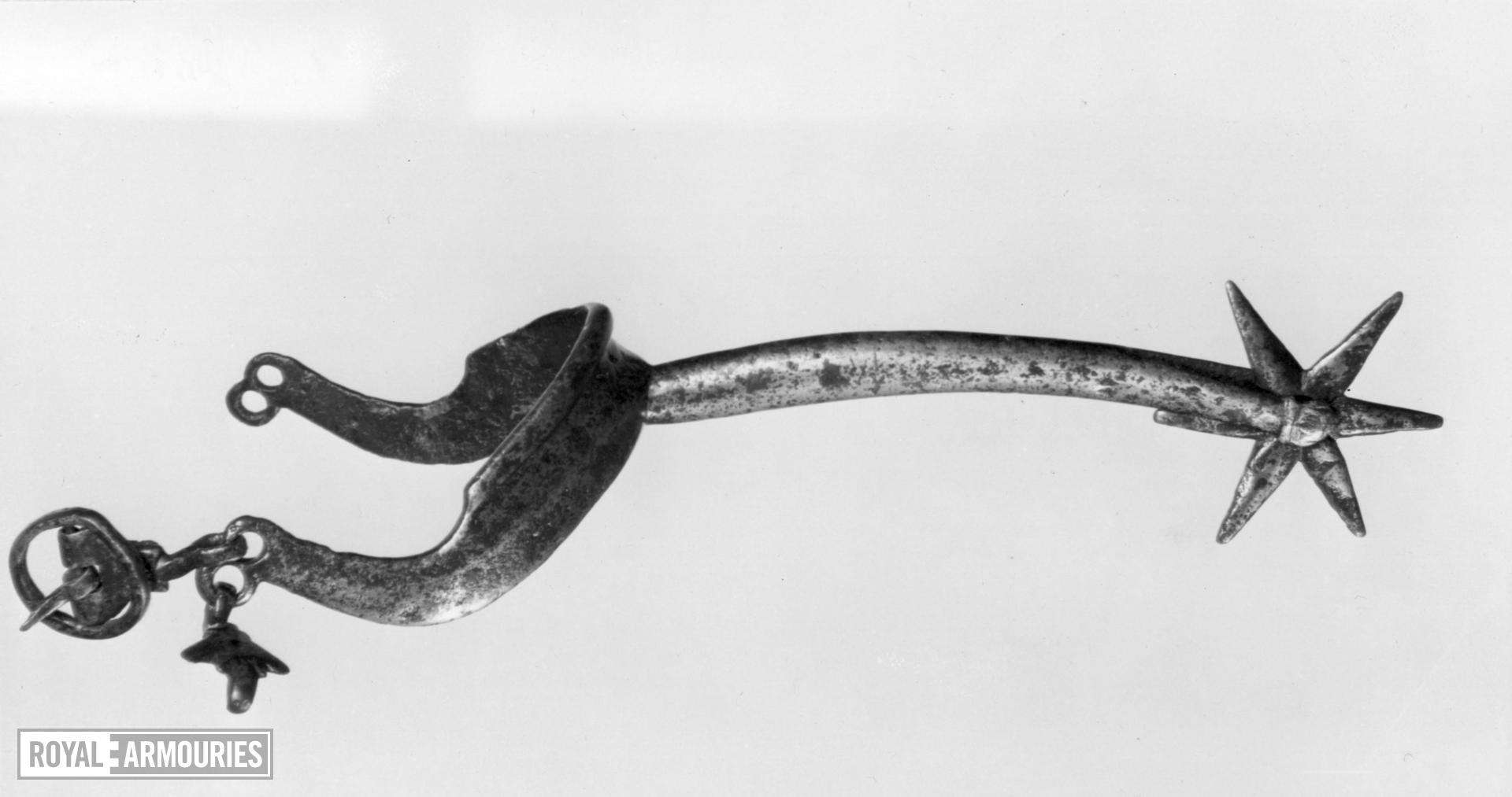 Left rowel spur