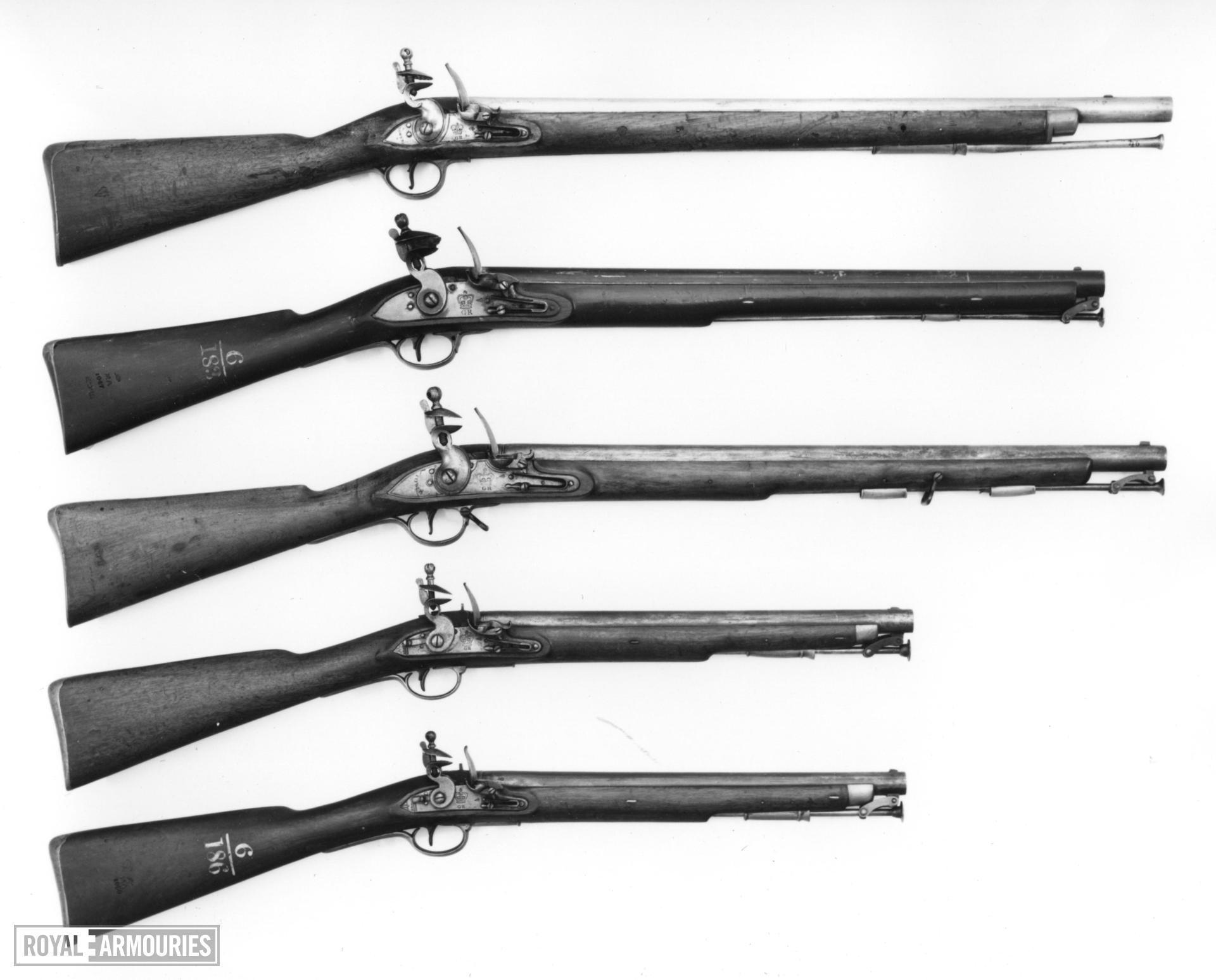Flintlock muzzle-loading military carbine - Pattern 1805 Paget Carbine Light Cavalry model