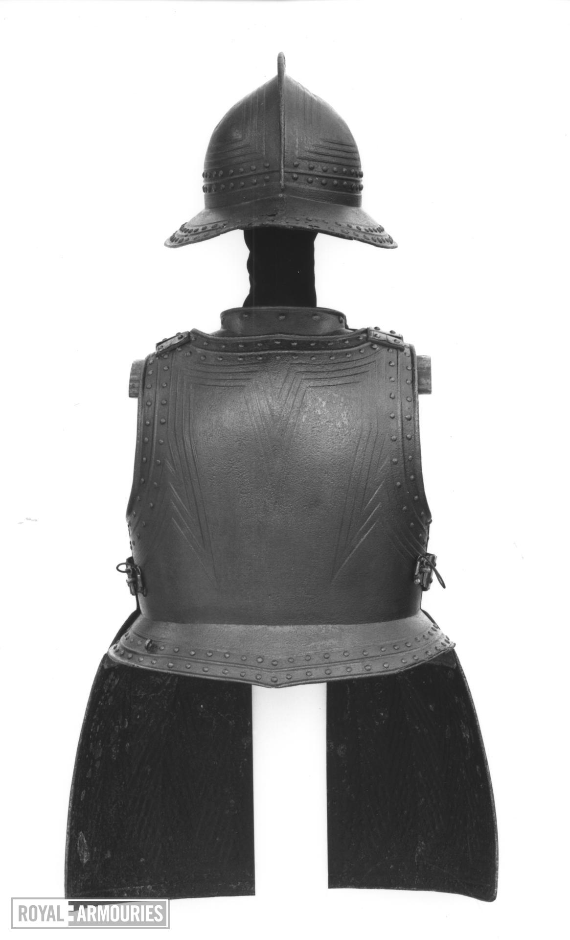 Pikeman's armour