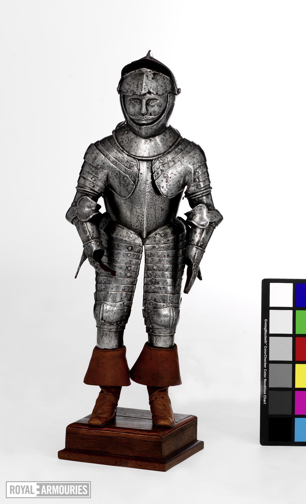 Miniature cuirassier armour Miniature half armour