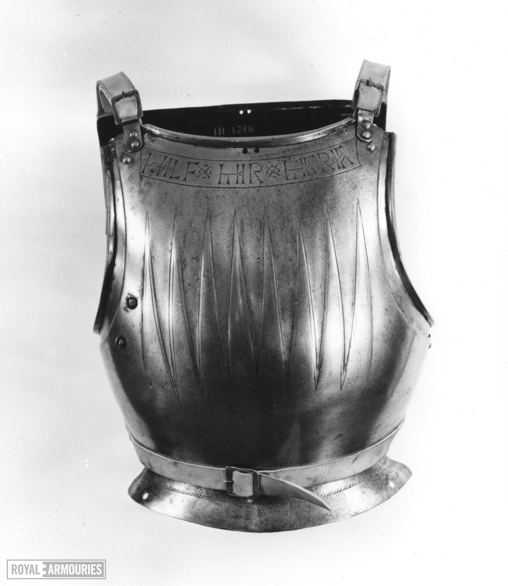 Cuirass with 'Wolf's tooth' decoration