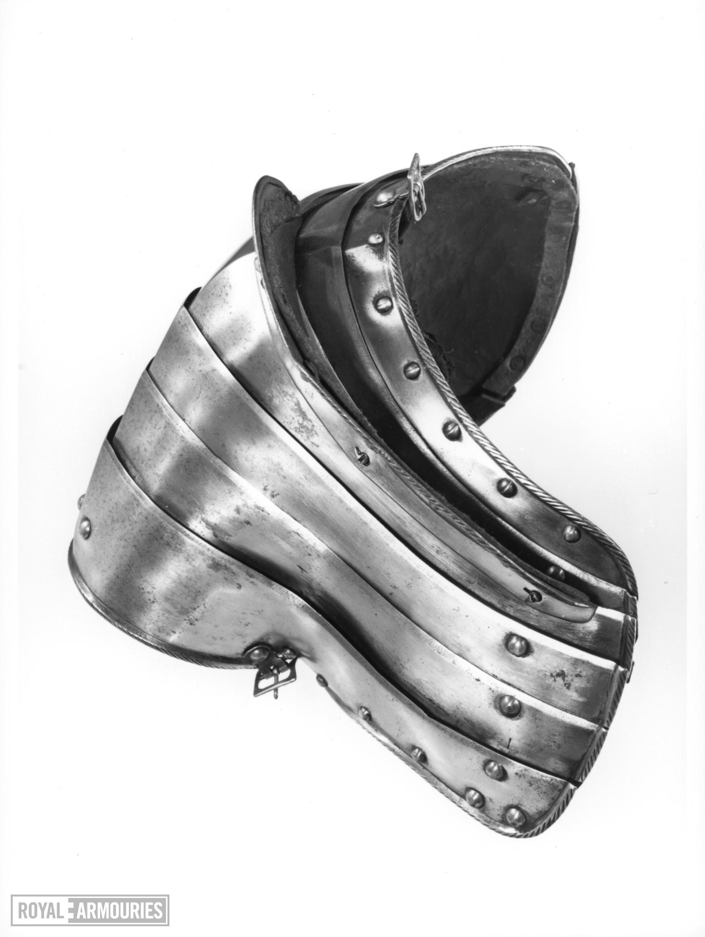 Right pauldron For the 'Freiturnier'