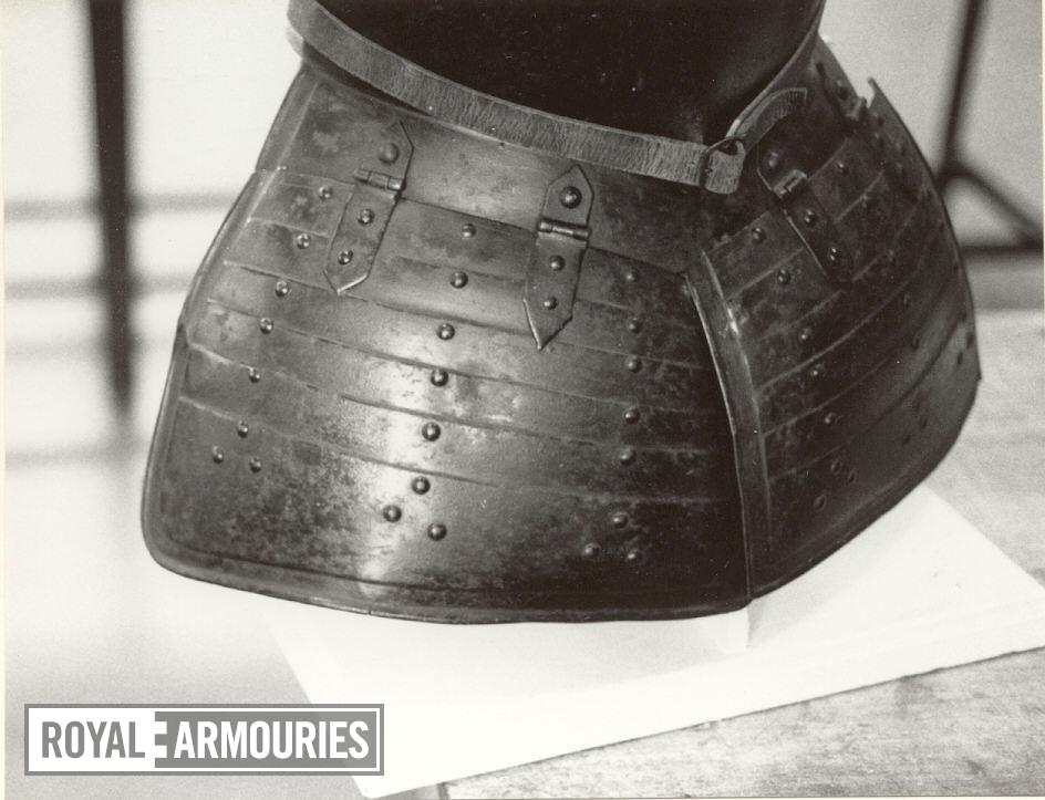 Pikeman's breastplate and tassets