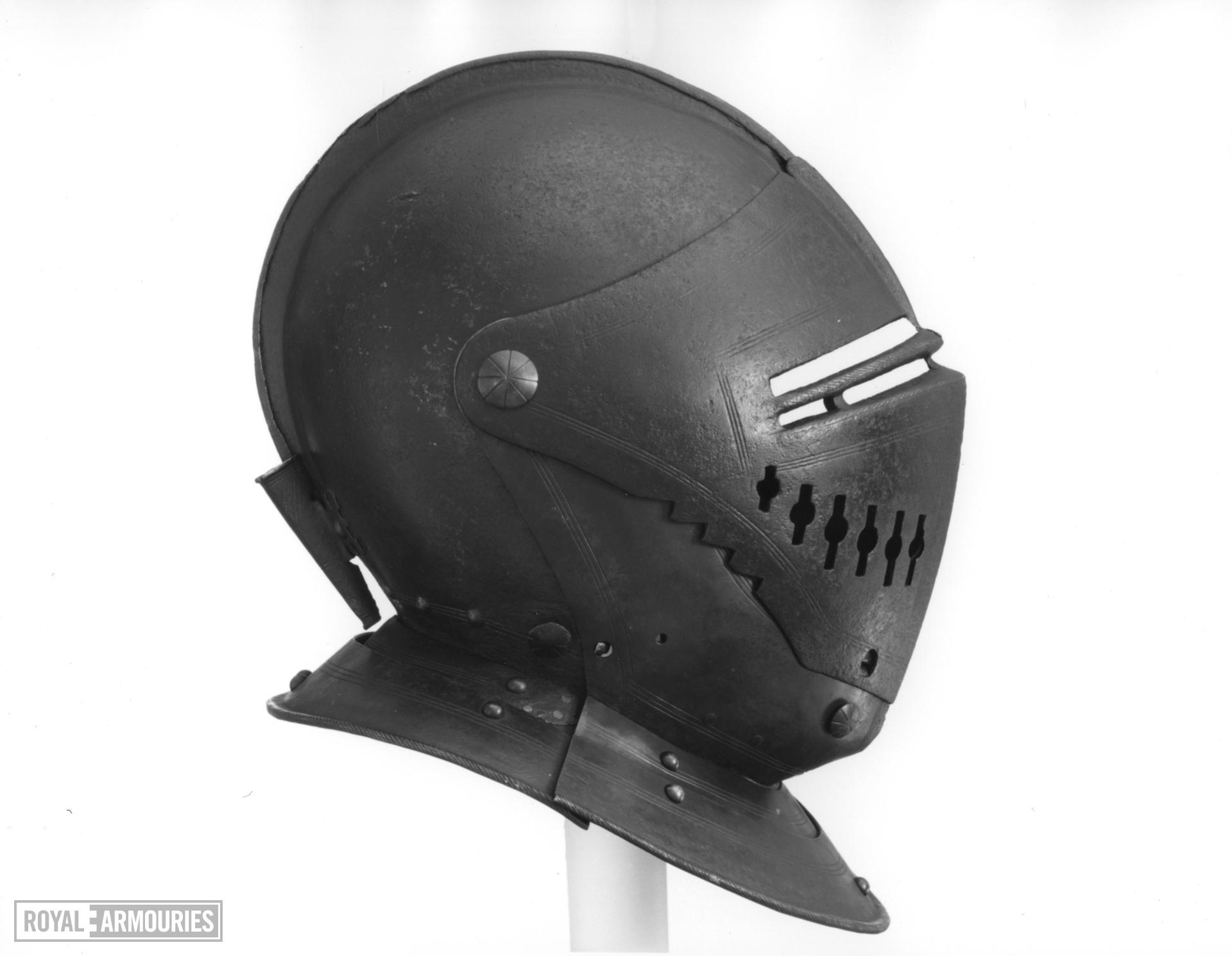 Close helmet Damaged