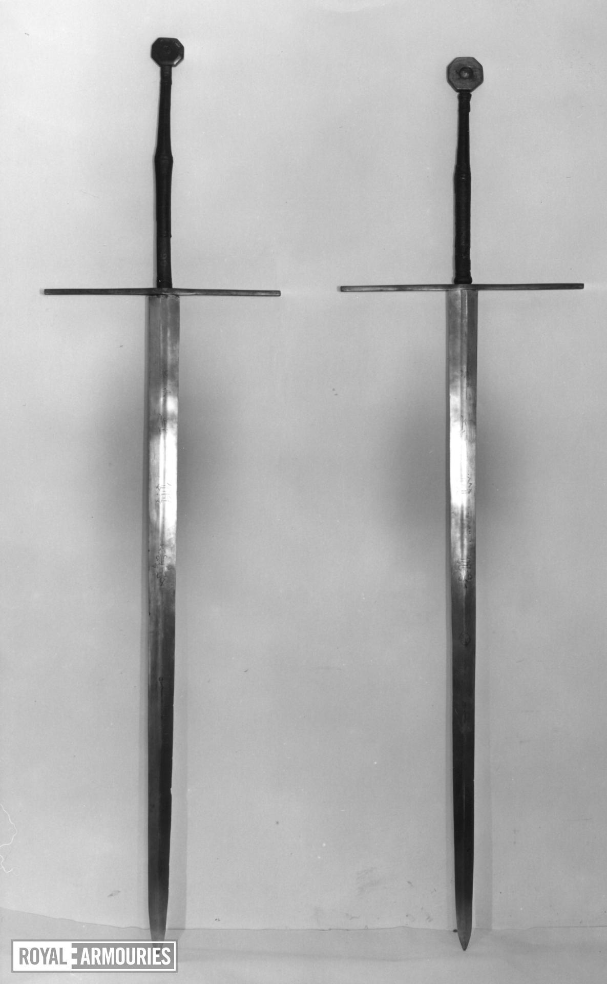 Bearing sword Two-hand bearing Sword. Probably an English royal processional sword