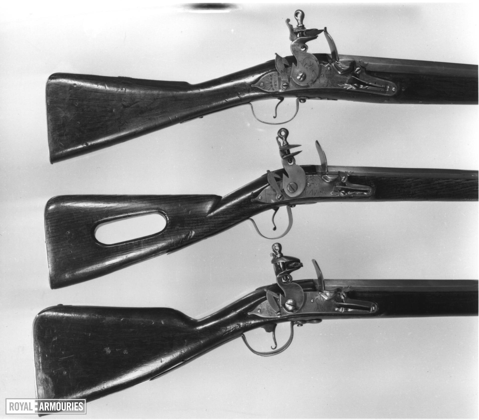 Flintlock muzzle-loading military musket - James II Land Service