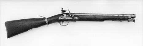 Thumbnail image of Flintlock military carbine (Paget carbine) for the 16th (Queen's) Light Dragoons. British, about 1805 (XII.1037)