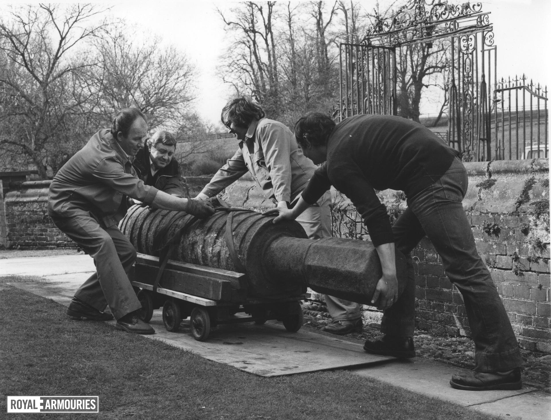 "Iron bombard known as ""The Boxted Bombard"". being removed from Boxted"