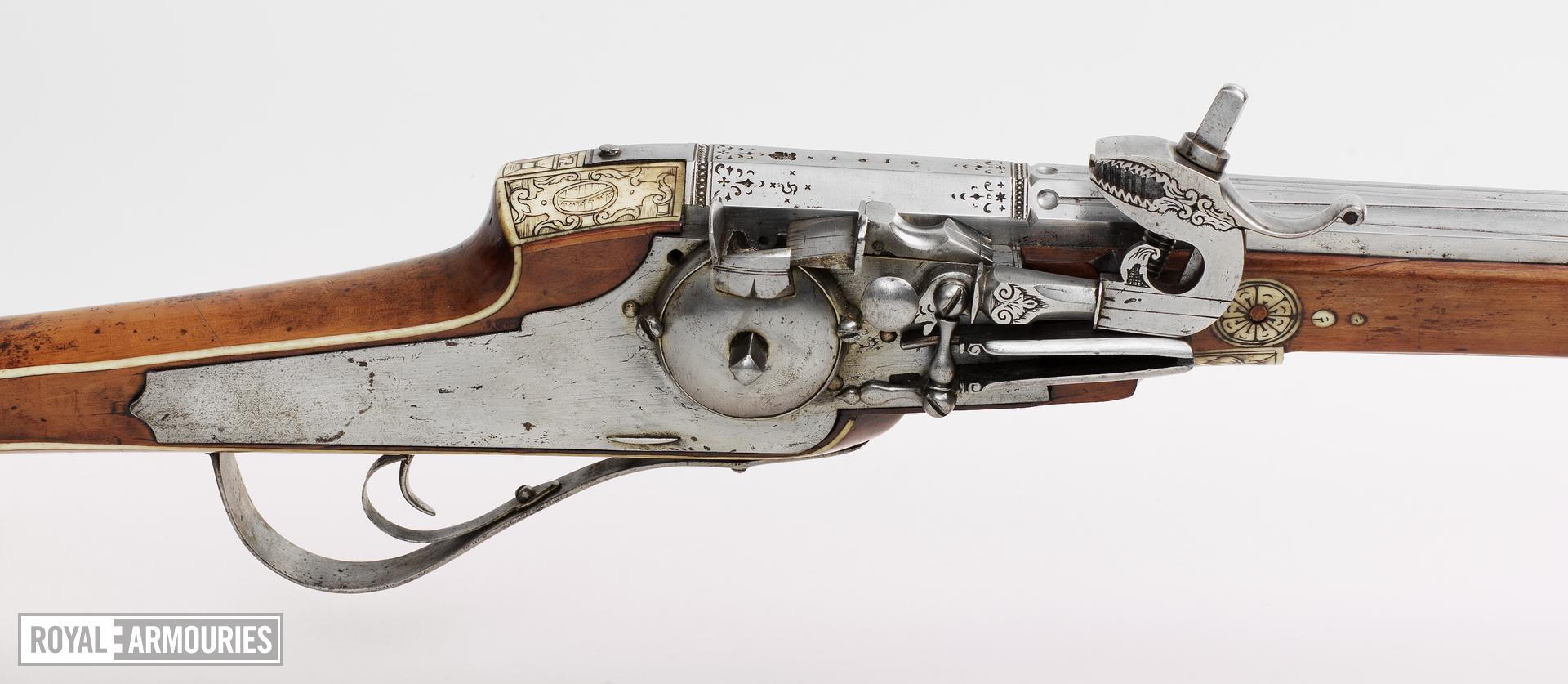 Wheellock muzzle-loading holster pistol - Barrel by Simon Helbig Made for the guards of the Elector Christian II of Saxony. One of a pair see XII.1257