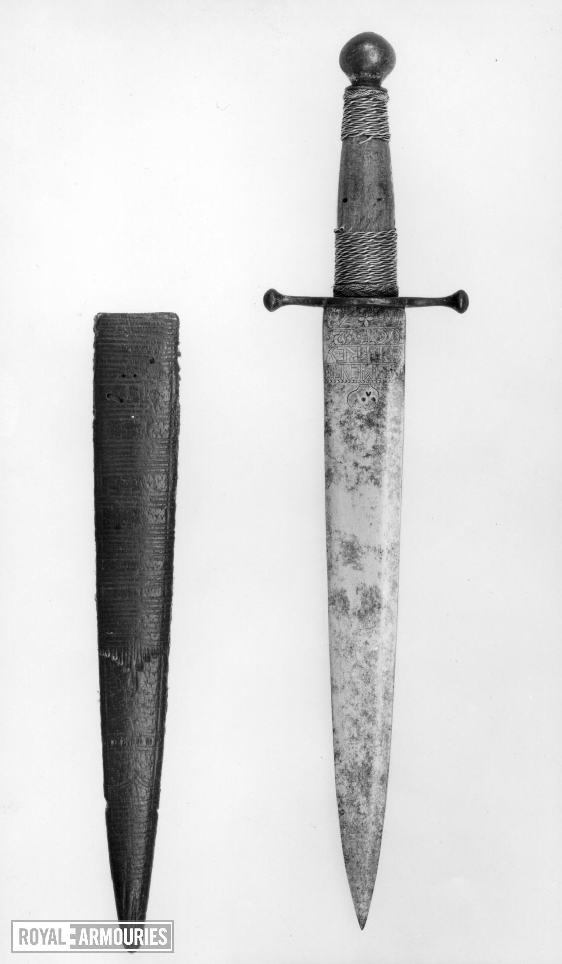 Dagger and sheath - Quillon Dagger Quillon dagger and sheath