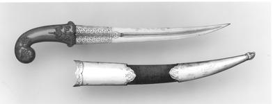 Thumbnail image of Dagger (khanjar) with Mughal hilt.
