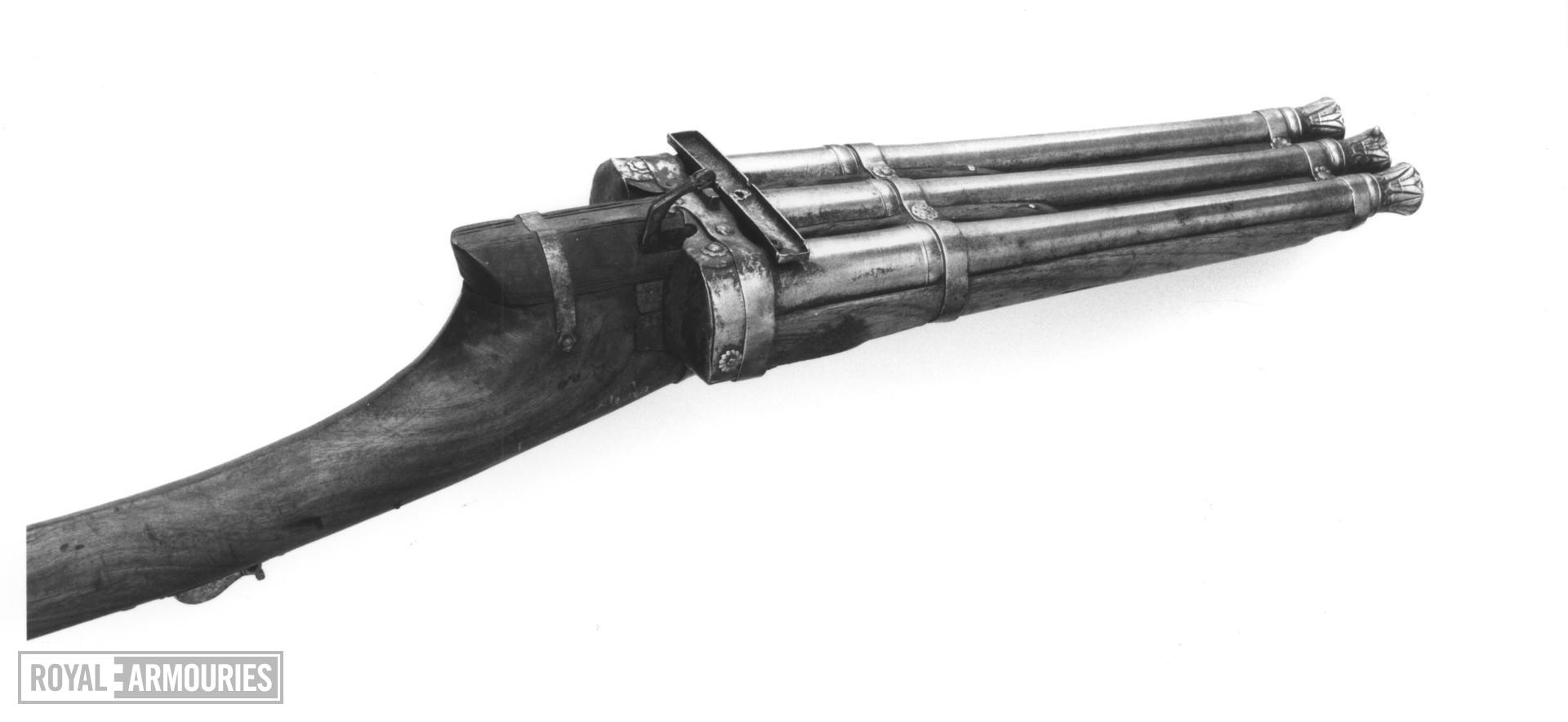 Matchlock gun Matchlock gun with three barrels.