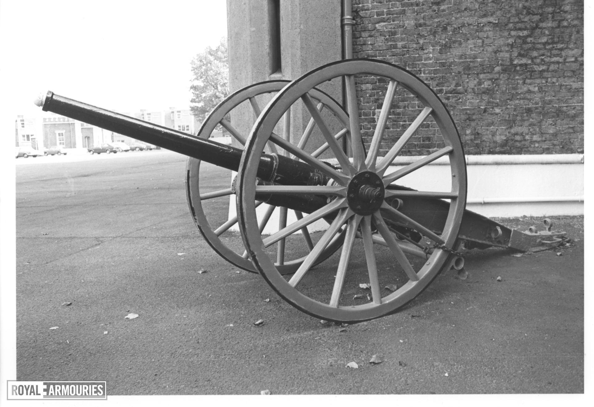 Field Gun - 75 mm QF Model 1897 Schnieder field gun and carriage