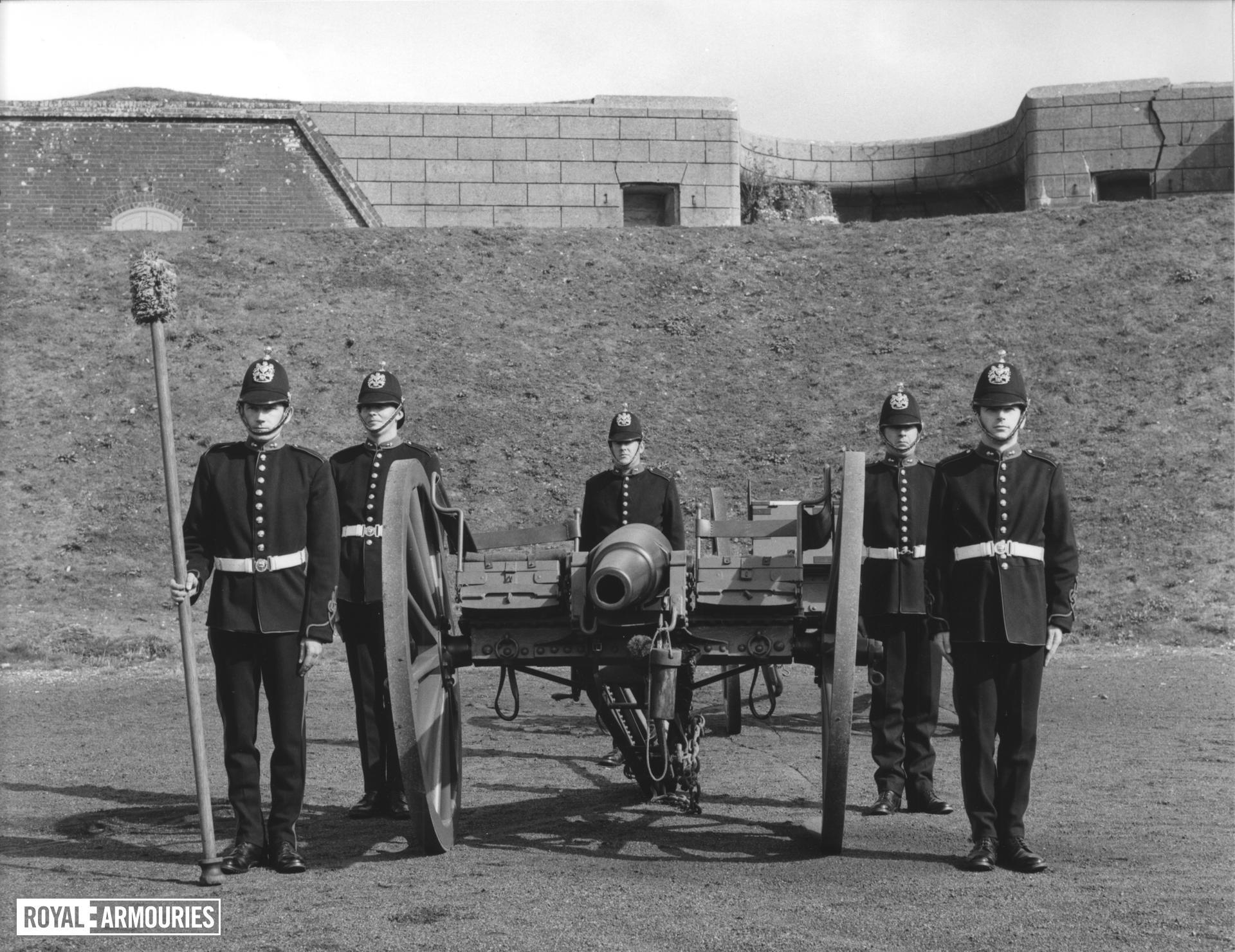 16 pr field gun and carriage - 16 pr RML