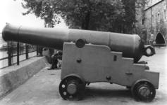 Thumbnail image of 64 pr gun and garrison carriage - 64 pr Millar RML Made of cast iron Cast by Sir W.G. Armstrong Converted from a Millar smoothbore to rifled using the Palliser conversion XIX.194