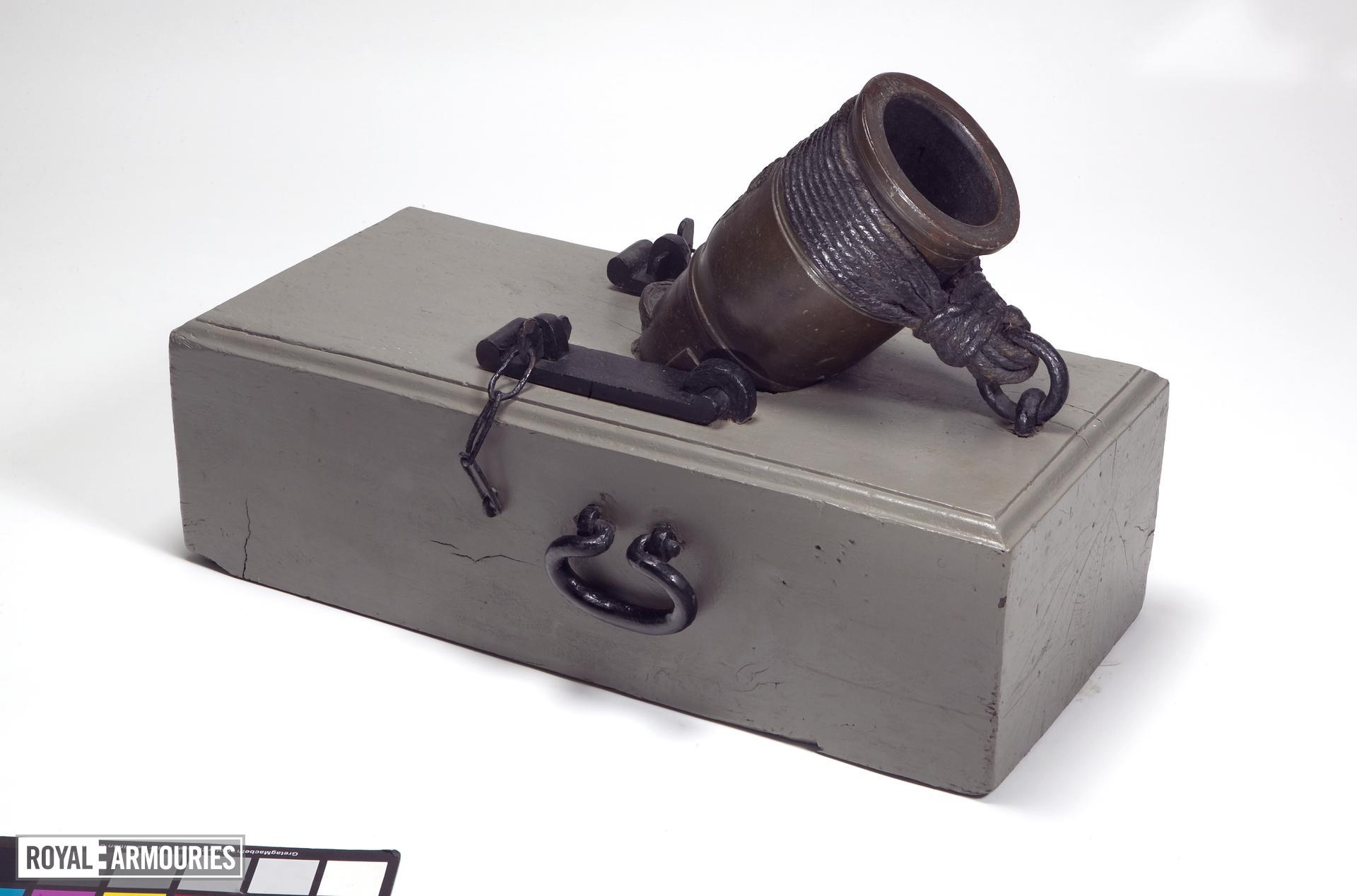 4.5 in mortar and bed - Coehorn mortar