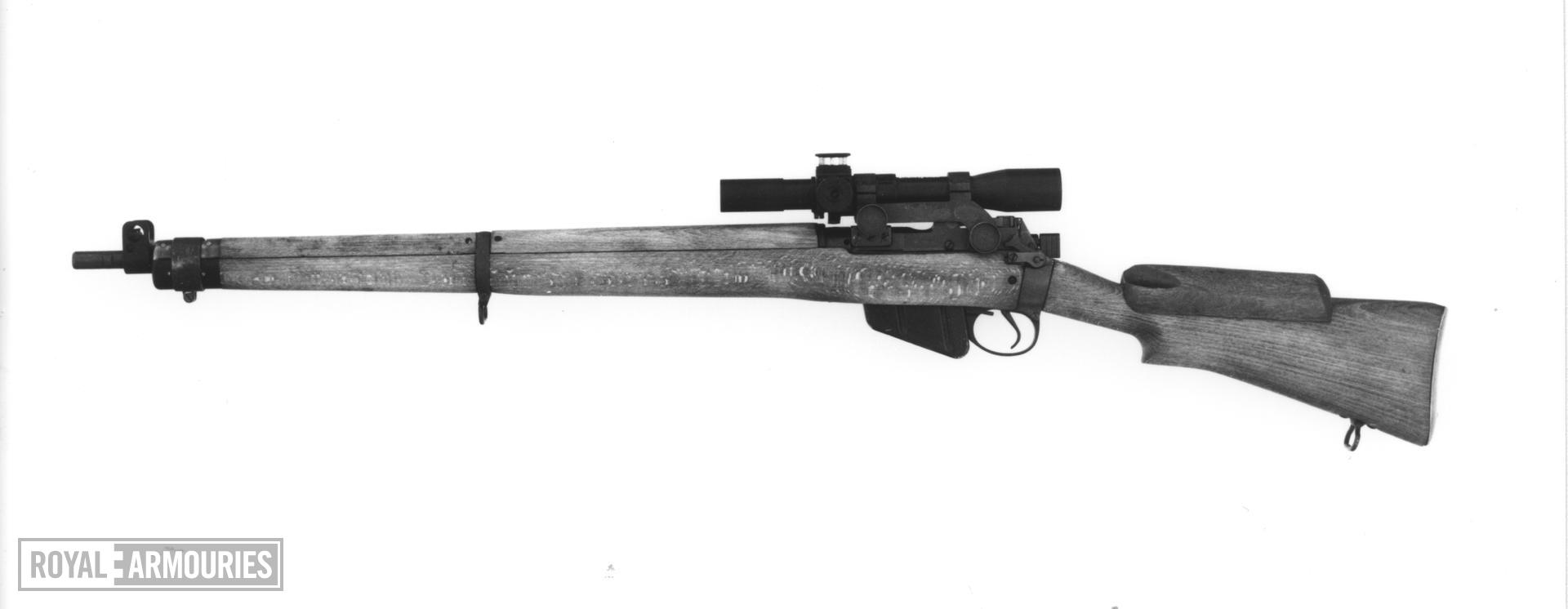 Centrefire bolt-action magazine sniper rifle - Enfield No. 4 (T)