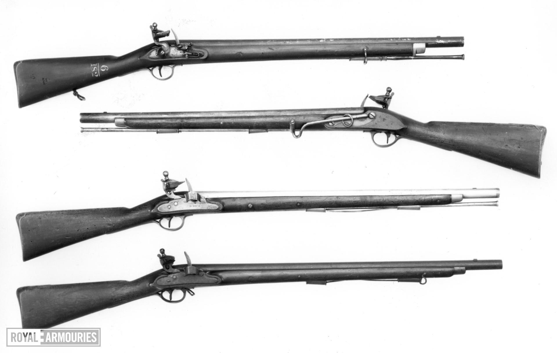 Flintlock muzzle-loading carbine - Harcourt Heavy Dragoon Carbine Pattern 1793 With Nock screwless lock